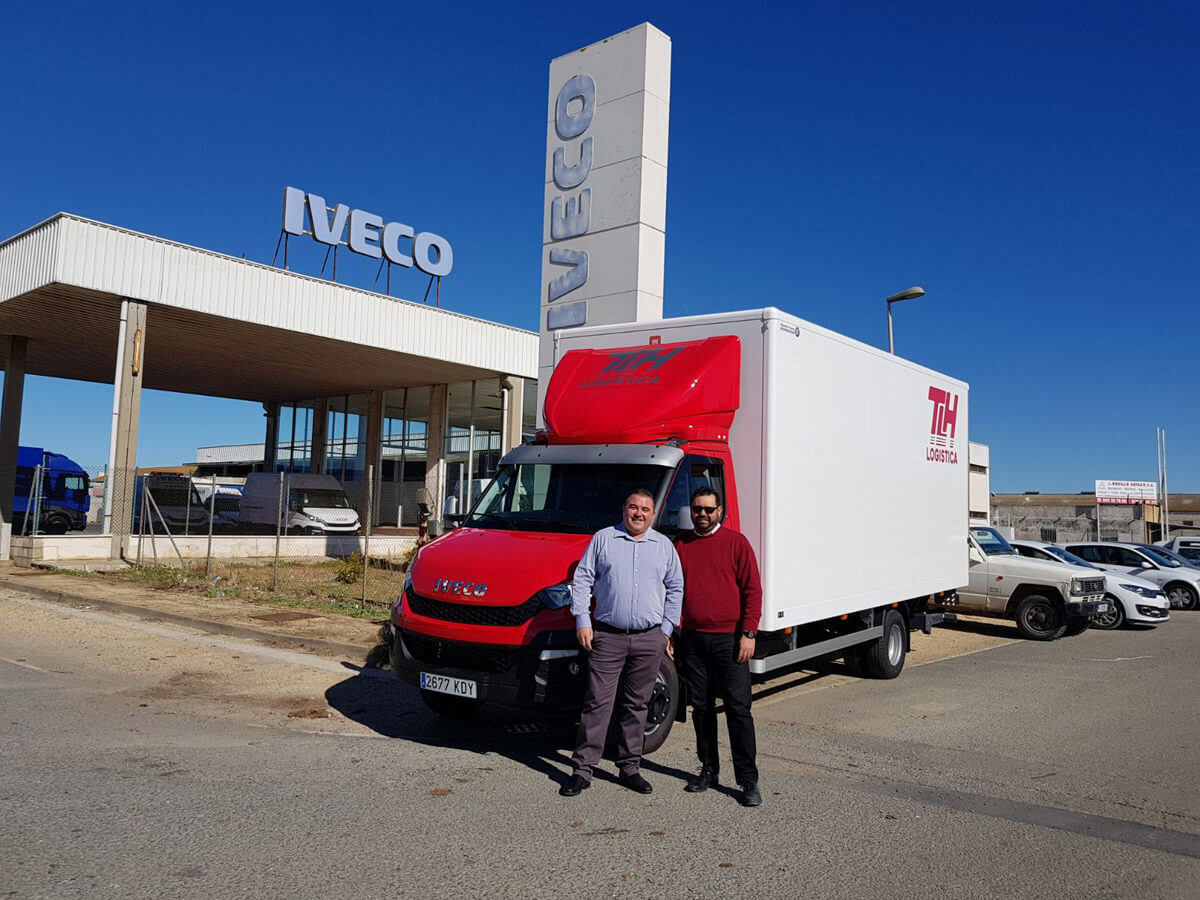 tlh-logistica-nuevo-camion-iveco-1200x900.jpg